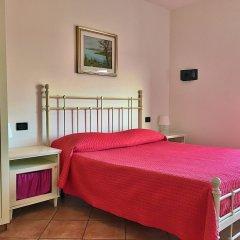 Отель Residence Bellavista Манерба-дель-Гарда сейф в номере