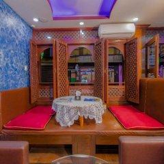 Отель OYO 208 Mount Gurkha Palace Непал, Катманду - отзывы, цены и фото номеров - забронировать отель OYO 208 Mount Gurkha Palace онлайн питание