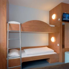 B&B Hotel Dusseldorf - Hbf сейф в номере
