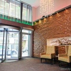 Отель Executive Hotel Cosmopolitan Toronto Канада, Торонто - отзывы, цены и фото номеров - забронировать отель Executive Hotel Cosmopolitan Toronto онлайн интерьер отеля