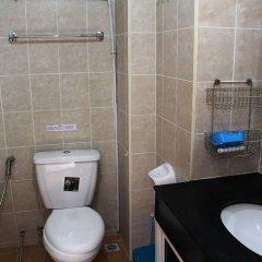 Отель Jomtien Good Luck Apartment Таиланд, Паттайя - отзывы, цены и фото номеров - забронировать отель Jomtien Good Luck Apartment онлайн ванная