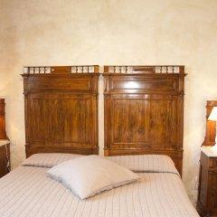 Отель Casone Ugolino Кастаньето-Кардуччи сейф в номере
