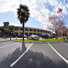 Отель BEST WESTERN PLUS Brookside Inn парковка