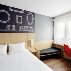 Отель Ibis Warszawa Centrum комната для гостей