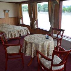 Fortuna Boat Hotel and Restaurant питание