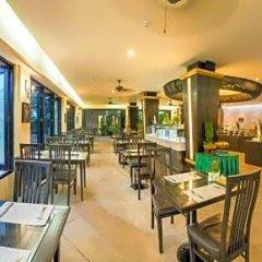 Отель Lanta Sand Resort & Spa Ланта гостиничный бар