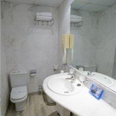 Отель Avenida Испания, Пляж Леванте - отзывы, цены и фото номеров - забронировать отель Avenida онлайн ванная фото 2