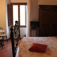 Отель A La Casa Dei Potenti Италия, Сан-Джиминьяно - отзывы, цены и фото номеров - забронировать отель A La Casa Dei Potenti онлайн удобства в номере