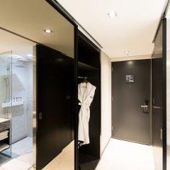 Отель Ramada Encore Seoul Magok сейф в номере