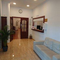 Hotel Manantiales Торремолинос интерьер отеля
