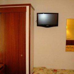 Отель Bella Dolores Испания, Льорет-де-Мар - отзывы, цены и фото номеров - забронировать отель Bella Dolores онлайн удобства в номере фото 2