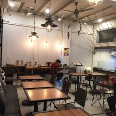 3howw Hostel @ Sukhumvit 21 Бангкок питание фото 3