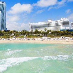Отель Fontainebleau Miami Beach пляж фото 2