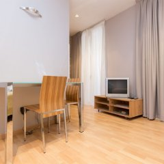 Апартаменты Apartments in Barcelona Tiradors Барселона комната для гостей фото 5