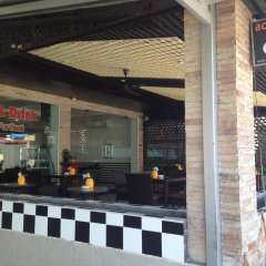 Отель Marfru Cafe and Guest House гостиничный бар