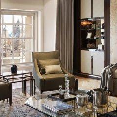 Four Seasons Hotel London at Ten Trinity Square интерьер отеля фото 3