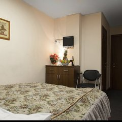 Отель Амрита Экспресс Челябинск комната для гостей фото 3