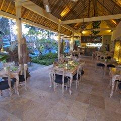Отель Bayshore Villas Candi Dasa Индонезия, Бали - отзывы, цены и фото номеров - забронировать отель Bayshore Villas Candi Dasa онлайн гостиничный бар