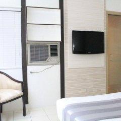 Отель Executive Plaza Hotel Филиппины, Манила - отзывы, цены и фото номеров - забронировать отель Executive Plaza Hotel онлайн удобства в номере фото 2