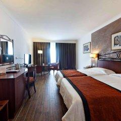 Отель Golden Tulip Vivaldi Hotel Мальта, Сан Джулианс - 2 отзыва об отеле, цены и фото номеров - забронировать отель Golden Tulip Vivaldi Hotel онлайн комната для гостей фото 4