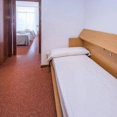 Отель Aparthotel CYE Holiday Centre Испания, Салоу - 4 отзыва об отеле, цены и фото номеров - забронировать отель Aparthotel CYE Holiday Centre онлайн комната для гостей