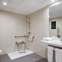 Hotel Oasis Park ванная фото 2