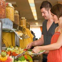 Отель Apartamentos HSM Calas Park - All Inclusive питание фото 3