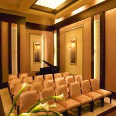 Отель Mandalay Bay Resort And Casino фото 12