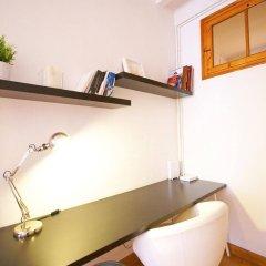 Отель Flateli Aribau Барселона удобства в номере