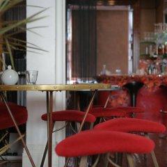 Отель Oriental Guest House Брайтон гостиничный бар