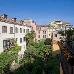 Отель Agli Alboretti Италия, Венеция - отзывы, цены и фото номеров - забронировать отель Agli Alboretti онлайн балкон