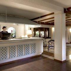 Отель Grand Hotel Smeraldo Beach Италия, Байя-Сардиния - 1 отзыв об отеле, цены и фото номеров - забронировать отель Grand Hotel Smeraldo Beach онлайн интерьер отеля фото 2
