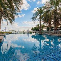 Отель Bespoke Residences - Shoreline Al Haseer бассейн фото 3