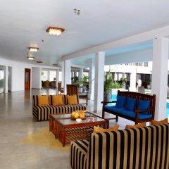 Hibiscus Beach Hotel & Villas интерьер отеля