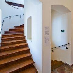 Отель Charles Bridge Apartments Чехия, Прага - отзывы, цены и фото номеров - забронировать отель Charles Bridge Apartments онлайн интерьер отеля