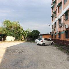 Отель Saithong Place На Чом Тхиан парковка