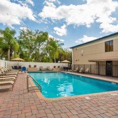 Отель Best Western Fort Lauderdale Airport/Cruise Port США, Форт-Лодердейл - отзывы, цены и фото номеров - забронировать отель Best Western Fort Lauderdale Airport/Cruise Port онлайн бассейн фото 3