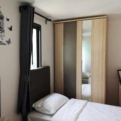 Отель College Haus Бангкок комната для гостей