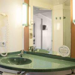 Отель Ibis Valencia Palacio de Congresos Испания, Валенсия - отзывы, цены и фото номеров - забронировать отель Ibis Valencia Palacio de Congresos онлайн ванная
