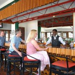 Отель Heritance Tea Factory гостиничный бар