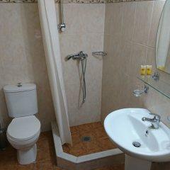Отель Eleni Rooms ванная фото 5