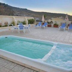 Отель Saint Patrick's Hotel Мальта, Мунксар - отзывы, цены и фото номеров - забронировать отель Saint Patrick's Hotel онлайн бассейн фото 3