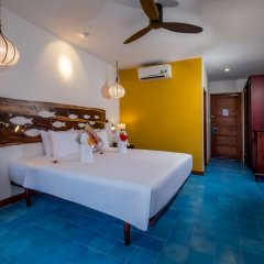 Отель Beachside Boutique Resort сейф в номере