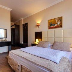 Гостиница Мартон Стачки комната для гостей фото 9