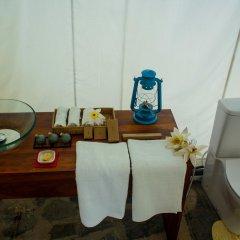 Отель The Naturalist Luxury Tents удобства в номере