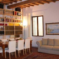 Отель B&B Righi in Santa Croce развлечения