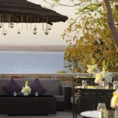 Отель Dead Sea Marriott Resort & Spa Иордания, Сваймех - отзывы, цены и фото номеров - забронировать отель Dead Sea Marriott Resort & Spa онлайн гостиничный бар