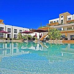 Отель Ramada Resort Bodrum бассейн