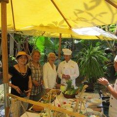 Отель Bach Dang Hoi An Hotel Вьетнам, Хойан - отзывы, цены и фото номеров - забронировать отель Bach Dang Hoi An Hotel онлайн питание