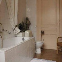 Отель Les Bluets Бельгия, Брюссель - отзывы, цены и фото номеров - забронировать отель Les Bluets онлайн ванная фото 2